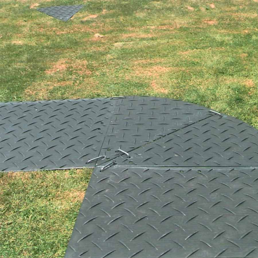 Wedge piece 4x8 white Ground Protection Mats 2 Wedges