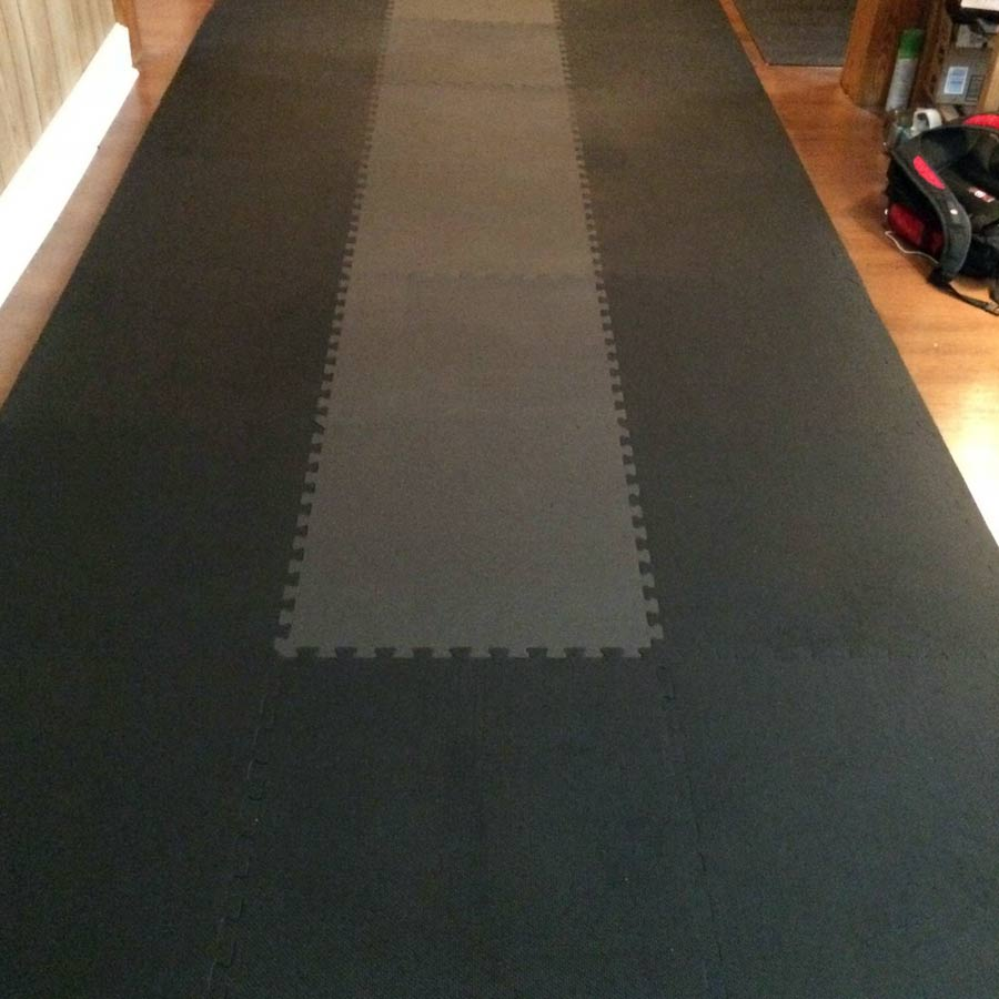 Home Sport and Play Mat 7/8 Inch black and gray.