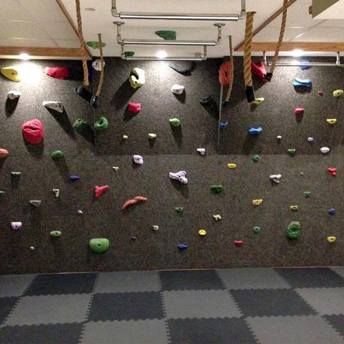 Home Sport and Play Mat 7/8 Inch exercise wall.