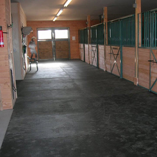 Horse Stall Mat Kit 10x10 Ft Interlocking Black Punter