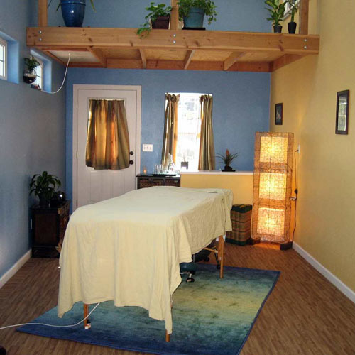 Wood Grain Reversible Foam Floor massage room.