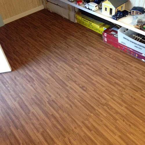 Wood Grain Reversible Foam Floor room.