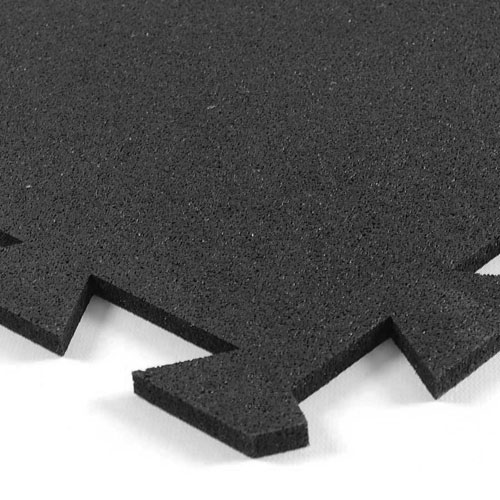Geneva Rubber Tile 3/8 Inch Black corner of tile.