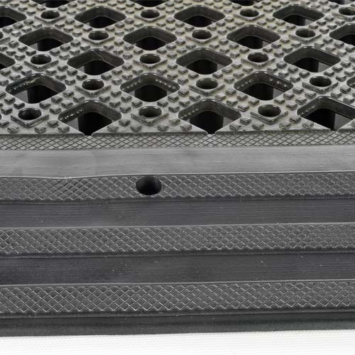 Safety Matta Borders Black ramp grip with tile.