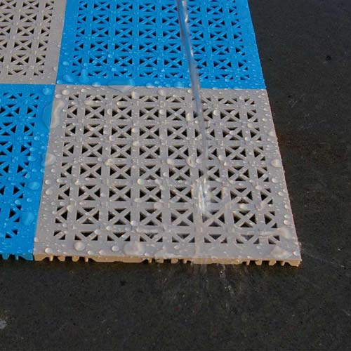 StayLock Perforated Colors wet tiles.