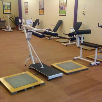 There are a couple differences between gym flooring for home and for commercial applications.
