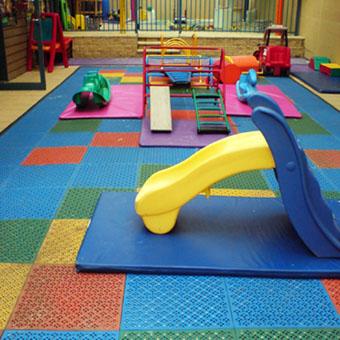 Preschool outdoor tile outdoor kids playground floor for Cork playground flooring