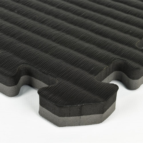 Home Tatami Sport Tile 7/8 Inch black gray corner.