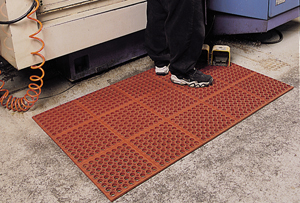 VIP-Tuffdek Rubber Red Mat 3 x 3 feet