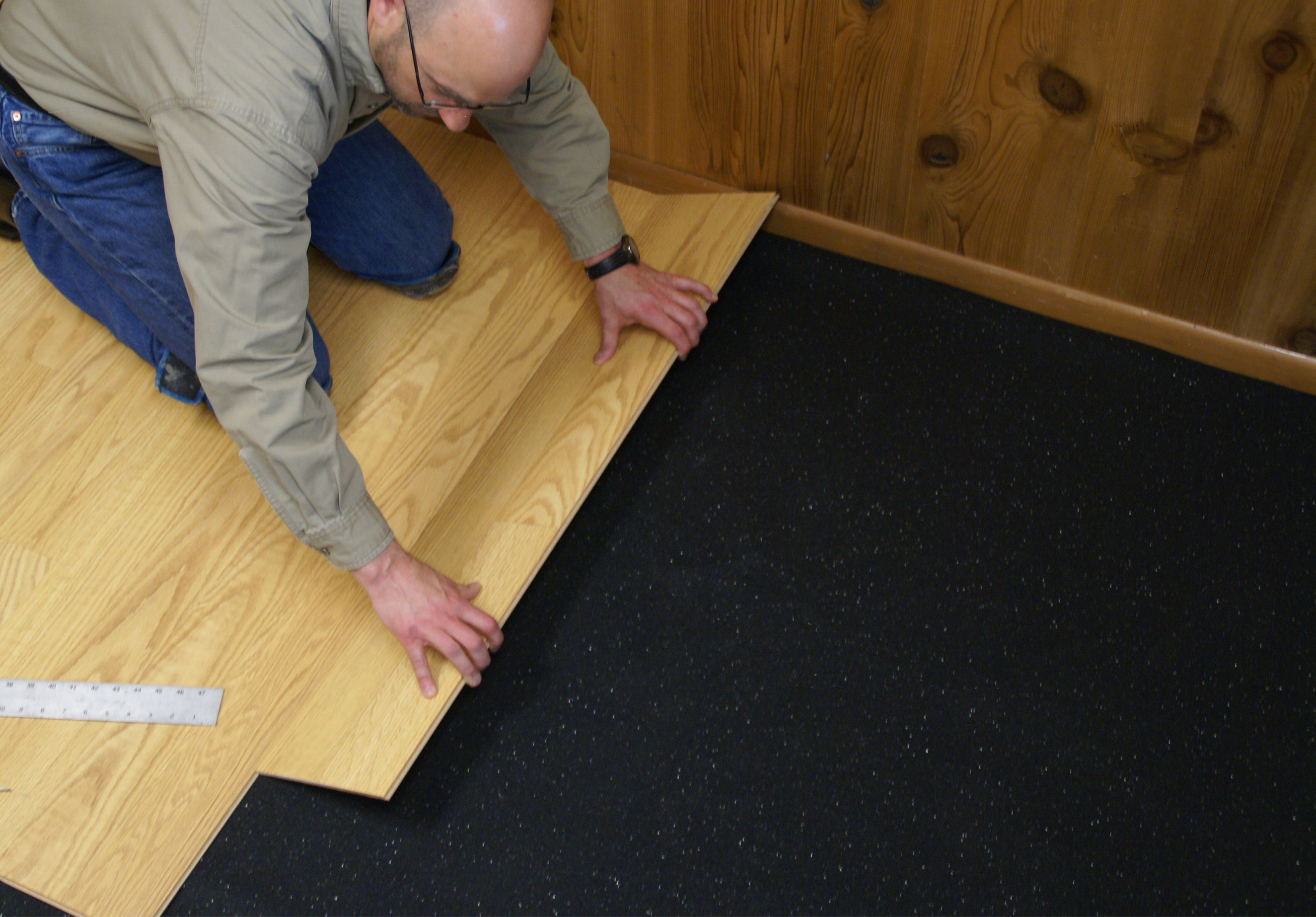How Does Sound Floor Underlayment Work: Cork vs. Rubber Underlayment
