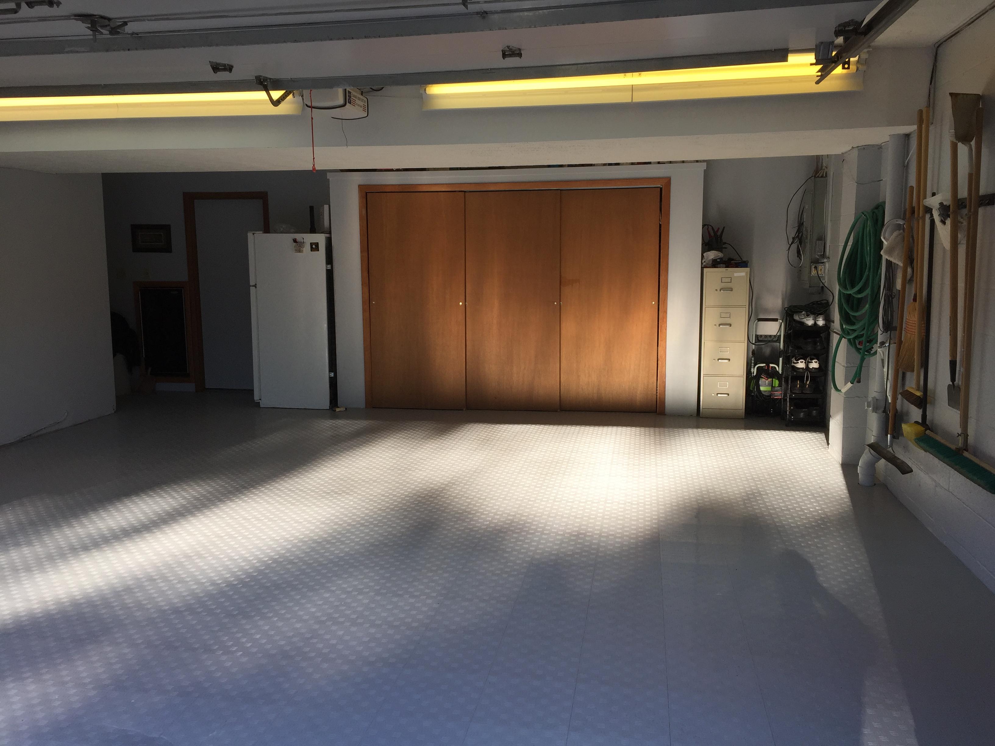 Raised Portable Garage Floor Tiles
